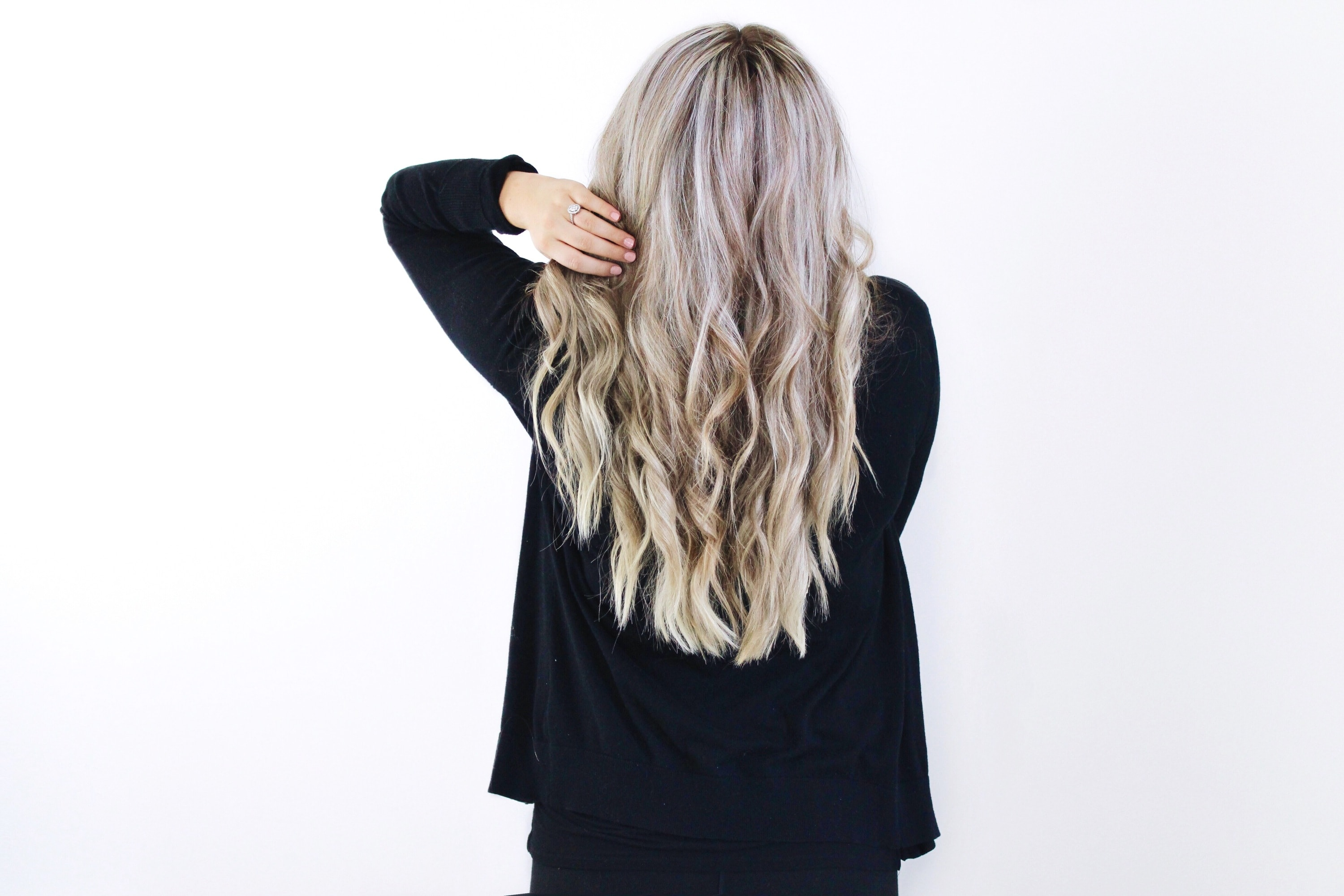 How to curl your hair with a flat iron - beach waves