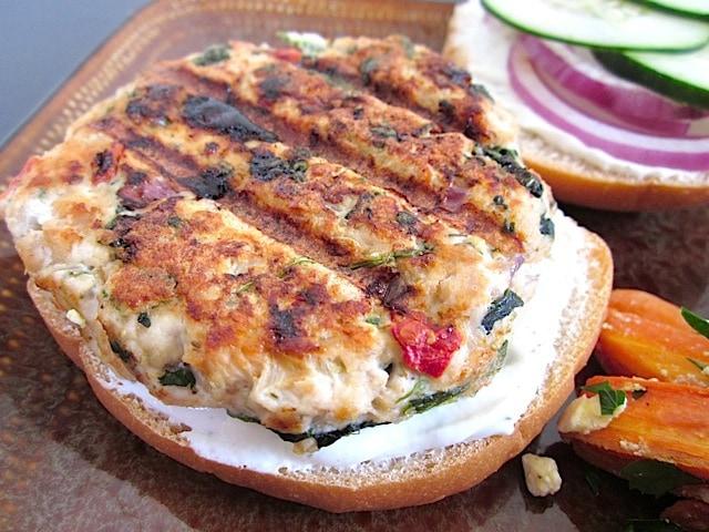 turkey-burger-close-open