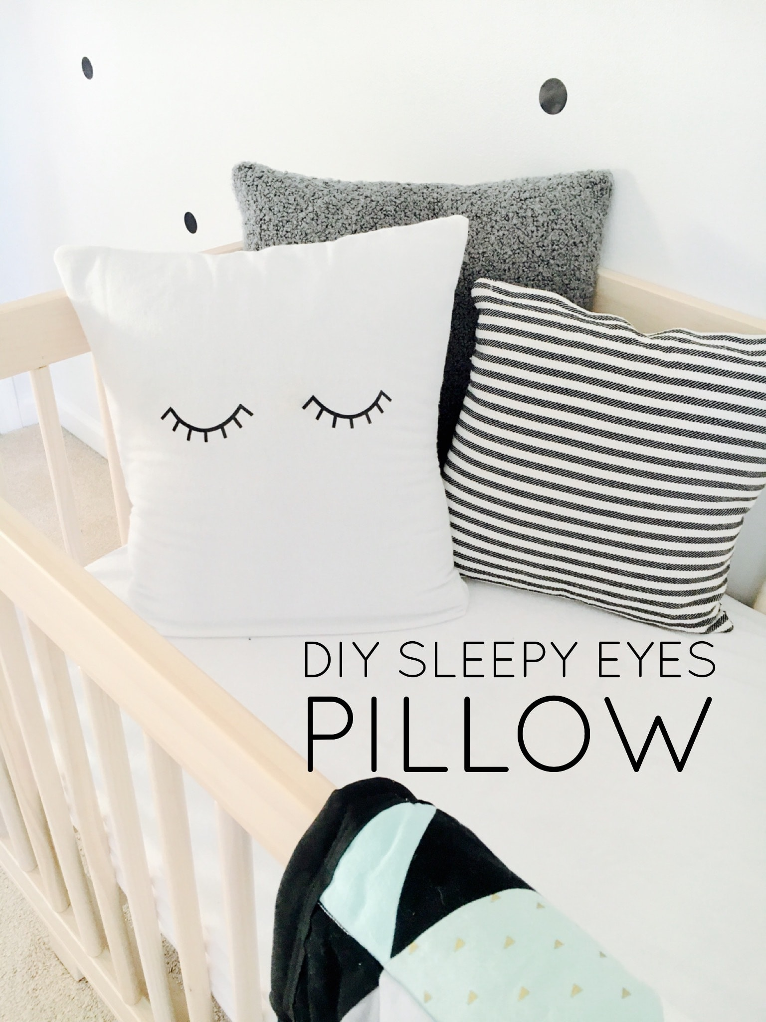 DIY Sleepy Eyes Pillow