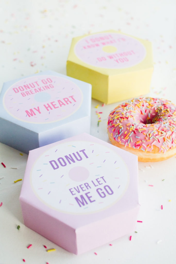 DIY-donut-boxes-valentines-day-puns-doughnuts-case-cute-fun-tutorial-free-printable-9