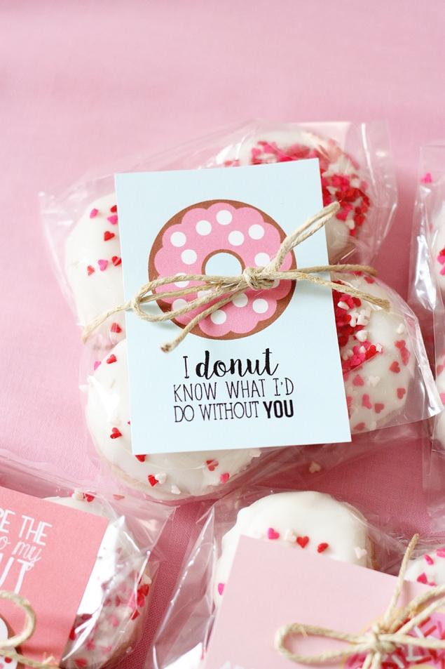 valentines donuts